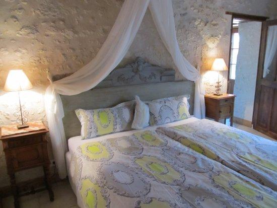 Le Clos de la Garde: Schlafzimmer in Suite ELEONORE