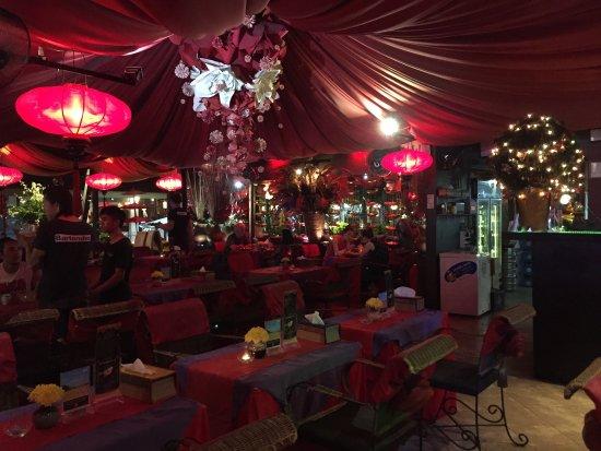 Hot Chilli: amazing place, amazing food, amazing music! love it !!!