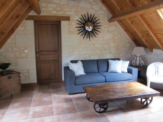 Le Clos de la Garde: Wohnzimmer in Suite DIANE