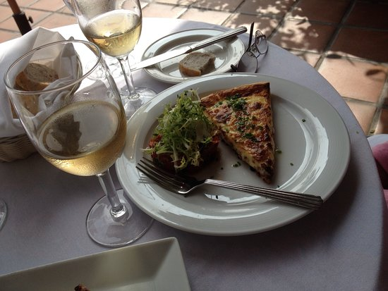 Wine lunch picture of cafe jardin corona del mar for Cafe jardin corona del mar