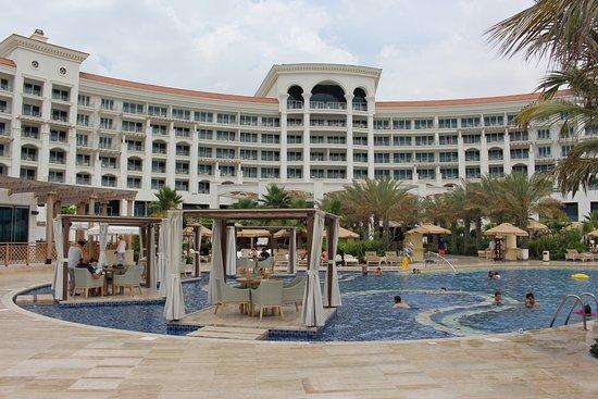 Pool Anlage Picture Of Waldorf Astoria Dubai Palm Jumeirah Dubai Tripadvisor