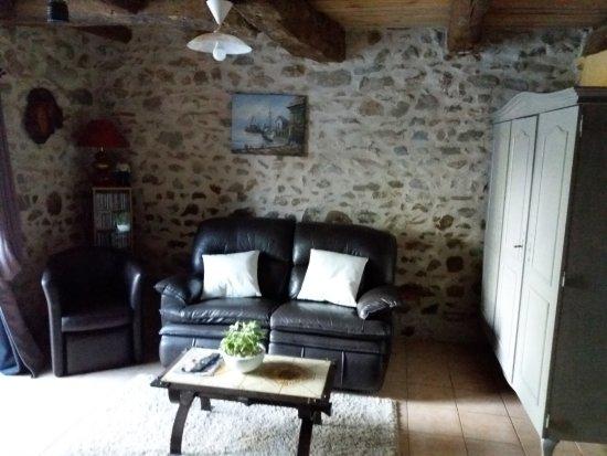 Saint-Cirgues, فرنسا: le salon
