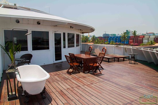 Deck picture of vintage luxury yacht hotel yangon for Hotel vintage luxury yacht
