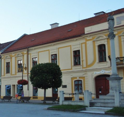 Roznava, Eslovaquia: Il palazzo
