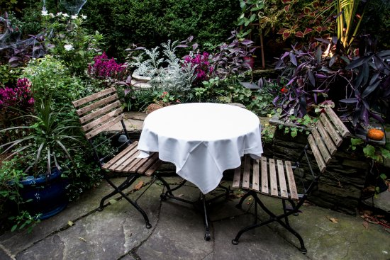 Rutherford, NJ: Table for Two in the Garden