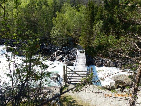 Kinsarvik, Norge: Wanderung zum Wasserfall
