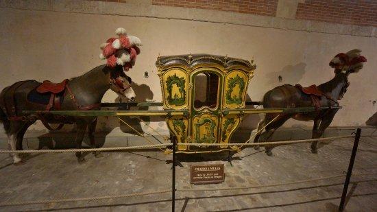 Chateau De Vaux Le Vicomte Chaise A Mules