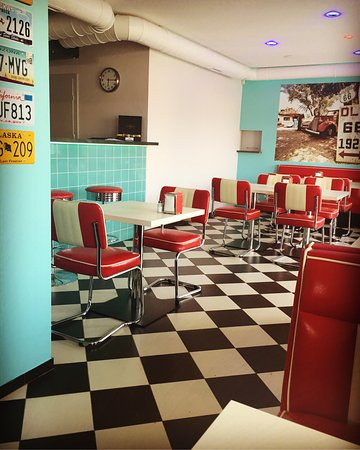 retro diner picture of retro diner tychy tripadvisor. Black Bedroom Furniture Sets. Home Design Ideas