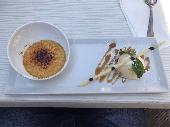 't Soethuys: Gesmoorde varkenswangen met gekarameliseerd buikspek, een aanrader! Ook de desserts waren super.