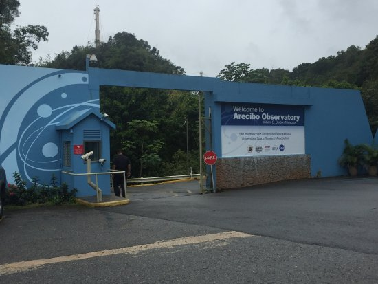 Arecibo Observatory: Entrance into the park