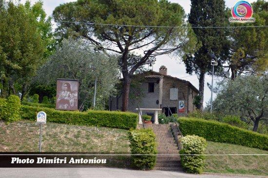 Esterno Di Una Casa : Esterno della casa natale di santa maria goretti foto di casa
