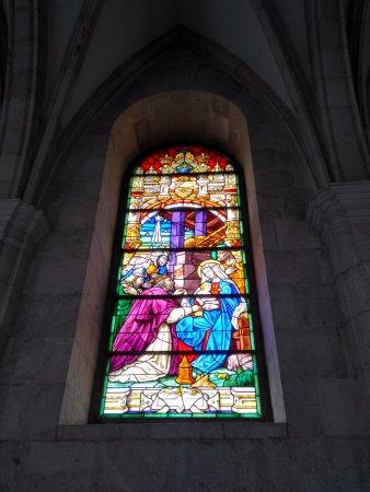 Cathedral Santander: Vitral de la Virgen y los Reyes Magos