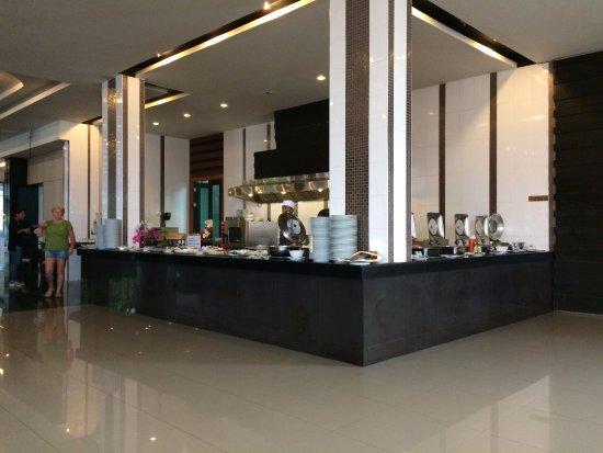 Casa Del M, Patong Beach: Breakfast area...