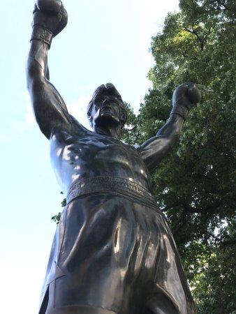 Rocky Statue: photo0.jpg