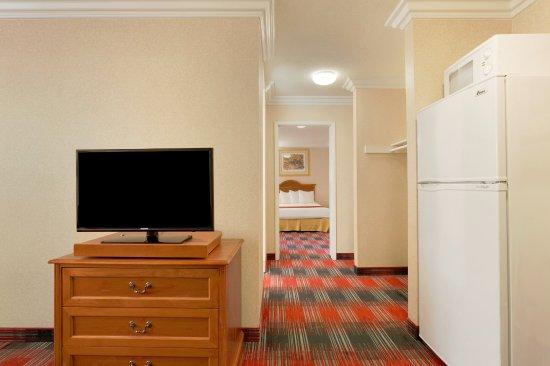Quality Inn & Suites Oceanside Photo