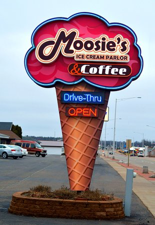 Moosie's Ice Cream & Coffee parlor, Medford, WI sign