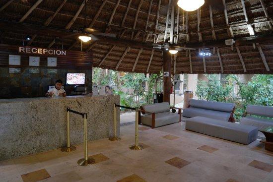 Hotel El Tukan: Recepción