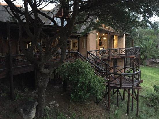 Lukimbi Safari Lodge: Uitzicht vanuit het restaurant
