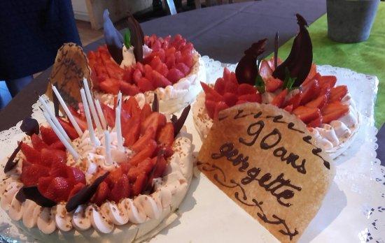 Tence, France: Pavlov a aux fraises