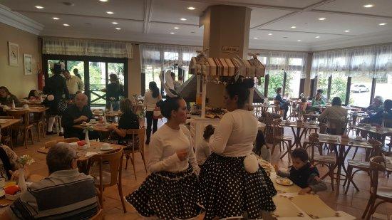 Hotel Recanto da Serra: CAFE DA MANHA NA PÁSCOA