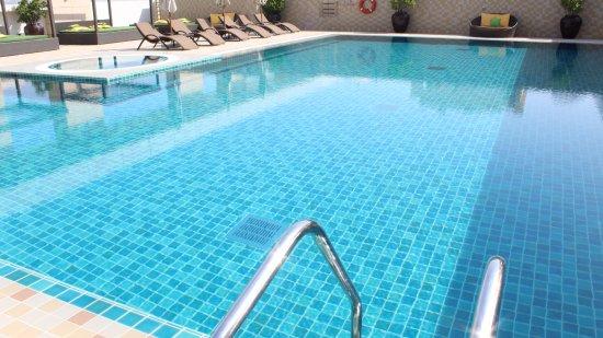 Pool - Picture of Dusit Thani Abu Dhabi - Tripadvisor