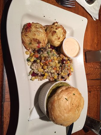Lake Orion, MI: Crab cakes and seafood pot pie