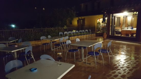 Montecarotto, อิตาลี: TA_IMG_20170507_000618_large.jpg