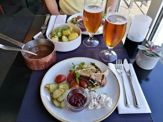 Bredsten, Dinamarca: Ultramørt oksekød med det hele som ses.