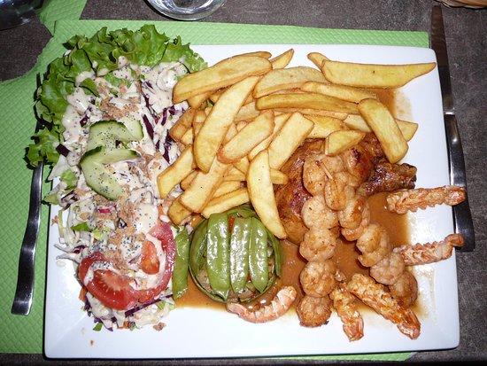 Saint-Agnan-en-Vercors, France : tajine de poulet et accompagnement