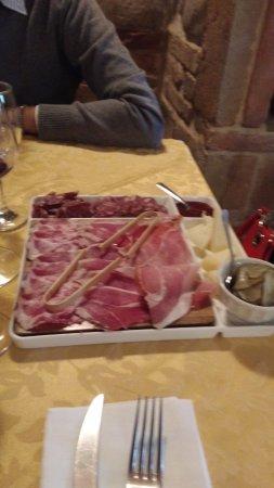 Colbordolo, Italy: Tagliere misto...