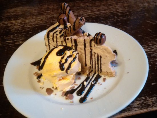 Isfield, UK: Dessert- chocolate malteser cheesecake