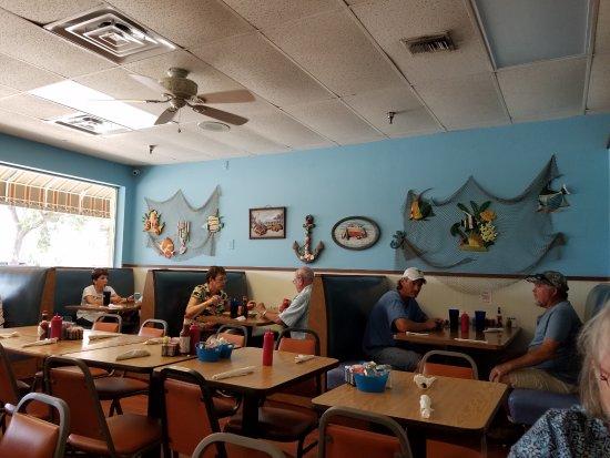 Ellenton, FL: The ambiance.