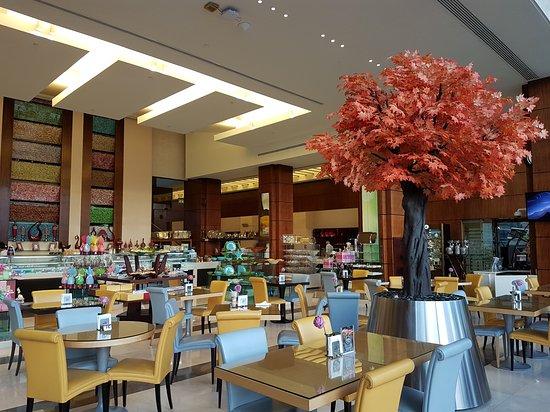 La Cigale Hotel: 20170407_172604_large.jpg