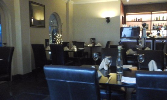 Hempstead House Hotel and Spa: View of the restaurant