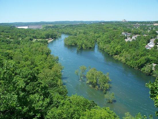 Hollister, MO: River valley (water stlll running high)