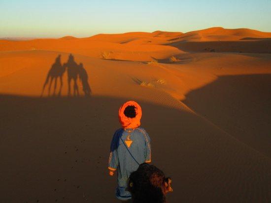 Hassilabied, Marocko: Excursión en dromedario por el desierto el Erg Chebbi, Merzouga.