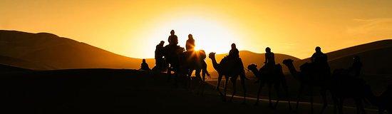 حاسي الأبيض, المغرب: 2 noches, excursión en dromedario por el desierto del Erg Chebbi