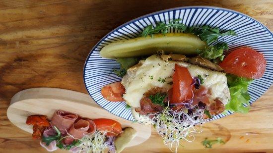 Flobecq, Bélgica: love food