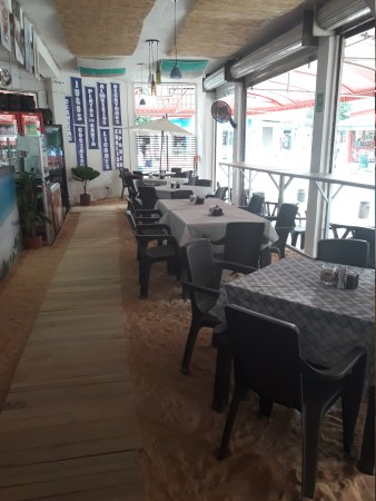 La Playa Restaurante - Bar