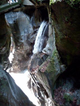 Orrido di Bellano : quando la luce colpisce le cascate è pura magia