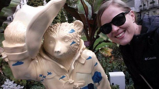 easyHotel Paddington London: Paddington Bear in the garden across the road from the hotel