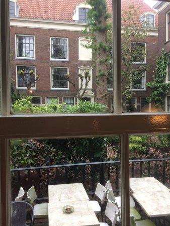 De 2 Grieken: the view & outdoor eating