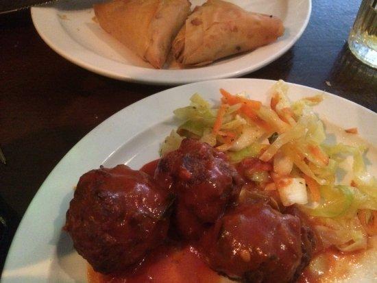 De 2 Grieken: Meatballs & spinach/Feta bites