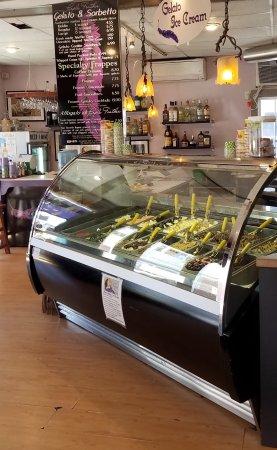 The Purple Feather Cafe & Treatery: photo2.jpg