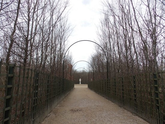 Le jardin de versailles picture of le jardin de for Jardin de versailles