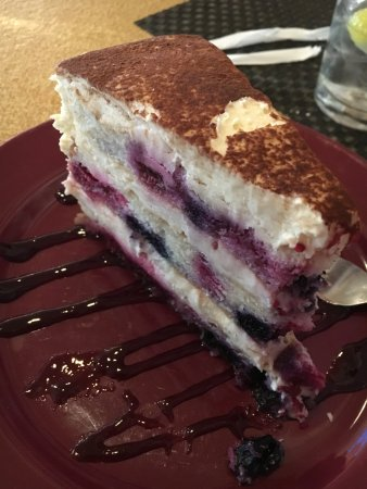 Wexford, PA: Moscato berry cake