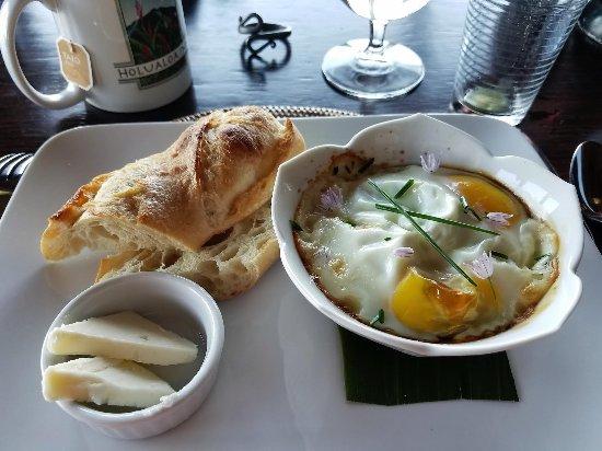Holualoa, HI: Egg artichoke quiche!!!