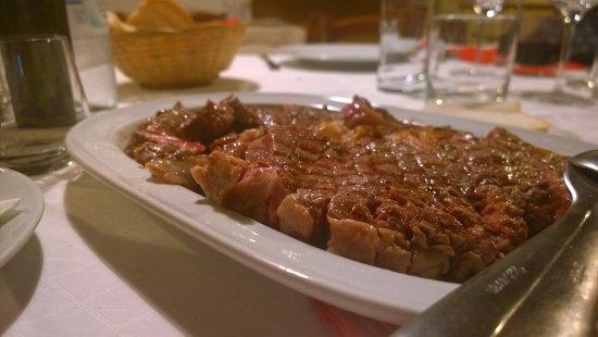 Zminj, Хорватия: some delicious meat