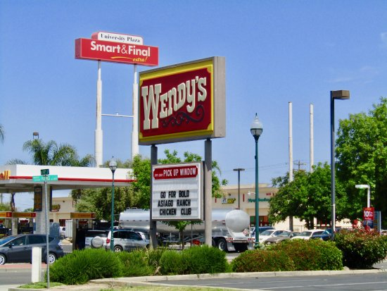 Merced, CA: Sign