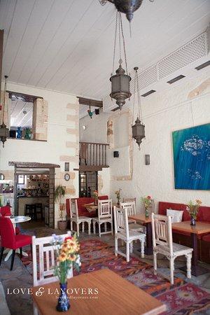 Alcanea Boutique Hotel: Entrance/indoor dining area